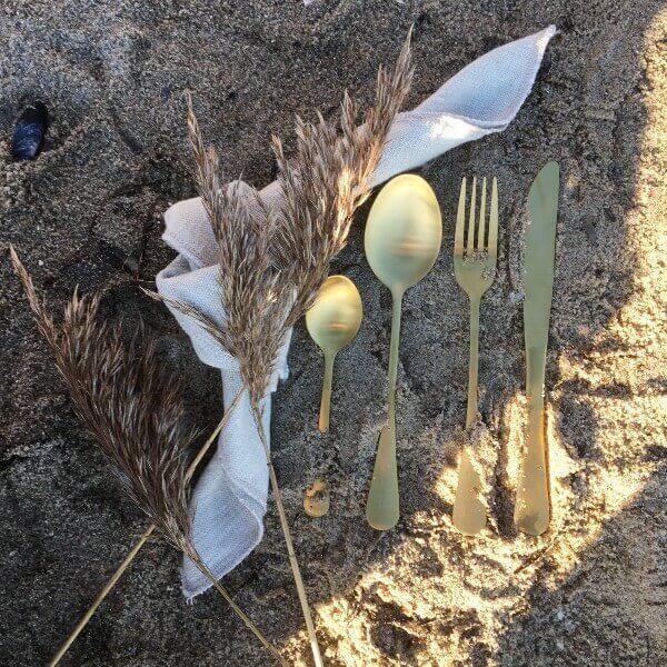 Guldbestik ved strand